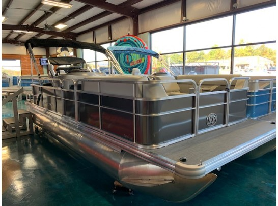 22' Challenger Series Leisure Kraft 2225CS