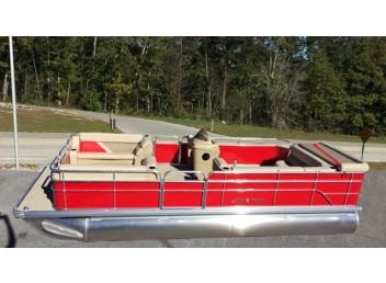 22' Challenger Series Pontoon Boat 2225CX