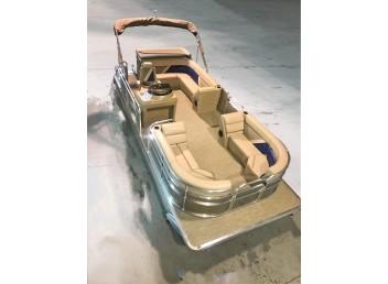 22' Challenger Series Pontoon Boat 2225CS