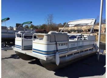 2001 18' Leisure Kraft Used Pontoon Boat