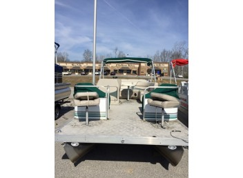 2005 20' Leisure Kraft Fishing Pontoon