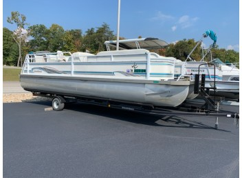 2001 JC Pontoon