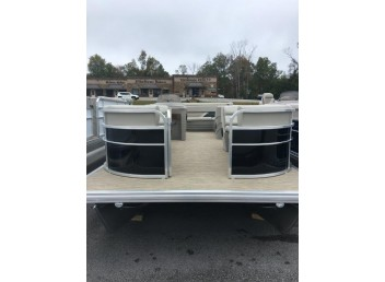 2018 **Discounted** 22' Leisure Kraft pontoon boat